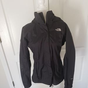 The north face women's hyvent black raincoat